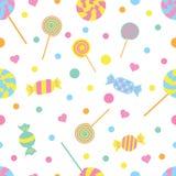Nahtloses farbiges Muster mit Süßigkeiten und Herzen Auch im corel abgehobenen Betrag stock abbildung