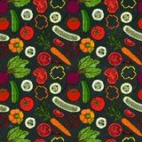 Nahtloses Gemüsemuster mit Gurken, rote Tomaten, grüner Pfeffer, rote Rübe, Karotte Frischer grüner Salat Gesunde vegetarische Na Stockbild
