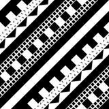 Nahtloses geometrisches Muster Wiederholen des ethnischen dekorativen Designs Zickzack und Streifenformlinie Modernes Schwarzweis Lizenzfreie Stockbilder