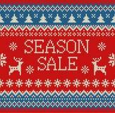 Nahtloses gestricktes Muster der frohen Weihnachten und des neuen Jahres mit Beschriftung WÜRZEN VERKAUF, Rotwild, Schneeflocken  Stockbild