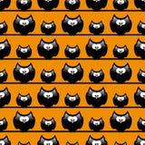 Nahtloses Halloween-Muster mit lustigen Karikatureulen Lizenzfreie Stockfotografie