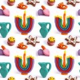 Nahtloses handgemachtes Plasticinemuster Chanukkas Bunte Beschaffenheit des Modelliertons Getrennt auf weißem Hintergrund Stockfoto