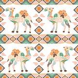 Nahtloses Kamelmuster gemacht von den Blumen, Blätter in der böhmischen Art Stockbild