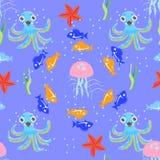 Nahtloses klares Bild der Seewelt mit Fischen, Krake, jellyfis stockfotografie