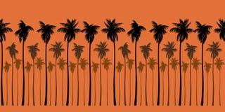 Nahtloses Landschaftsmuster mit braunen Schattenbildern von Palmen auf Leuchtorangehintergrund Stockfoto