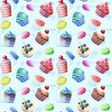 Nahtloses Muster Aquarellkleine kuchen, Muffins, Makronen Lizenzfreies Stockfoto
