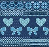 Nahtloses Muster auf dem Thema des Valentinstags mit einem Bild der Norwegermuster und -herzen Wolle gestrickt Stockbild