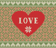 Nahtloses Muster auf dem Thema des Valentinstags mit einem Bild der Norwegermuster und -herzen Wolle gestrickt Lizenzfreie Stockbilder