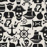 Nahtloses Muster auf Piratenthema mit Gegenständen und Lizenzfreie Stockfotos