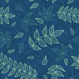 Nahtloses Muster der Blau- und Grünblätter. Lizenzfreie Stockfotos