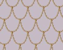 Nahtloses Muster der goldenen Kette auf blassem - rosa Hintergrund Golddrache-Skalakunst Stockfotos