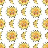 Nahtloses Muster der Karikatur mit Hand gezeichneter Gekritzelsonne und -mond Stockbilder