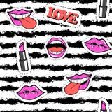 Nahtloses Muster der netten Mode mit Fleckenausweisen Mund, Lippen, Lächeln, Lippenstift, Sprache Stockbilder