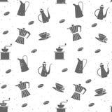 Nahtloses Muster der Weinlese mit Kaffeebohnen und Küchengeschirr Stockfotografie