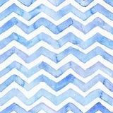 Nahtloses Muster des blauen Aquarells mit blauen Zickzackstreifen, -hand, die mit Unvollkommenheiten gezeichnet werden und -wasse lizenzfreies stockbild