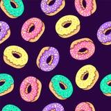 Nahtloses Muster des Donuts Rosa Donut und blauer tadelloser Donut mit unterschiedlichem Belag auf rosa Hintergrund Lizenzfreie Stockfotografie