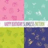 Nahtloses Muster des Geburtstages mit Handzeichnungselementen Stockbild