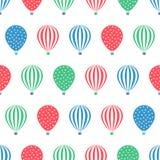 Nahtloses Muster des Heißluftballons Babypartyvektorillustrationen auf weißem Hintergrund Stockfotografie
