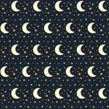 Nahtloses Muster des nächtlichen Himmels mit Sternen und Mond Lizenzfreies Stockfoto