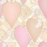 Nahtloses Muster des Patchworkdesigns mit Herzen und Elementen Lizenzfreie Stockfotografie