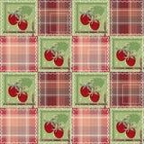 Nahtloses Muster des Patchworks mit Erdbeerkariertem Hintergrund Stockfotografie