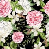 Nahtloses Muster des schönen Aquarells mit Blumen von hudrangea, von Hibiscusen und von Pfingstrose, Kolibri lizenzfreies stockbild