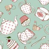 Nahtloses Muster des Teesatzes und der kleinen Kuchen Lizenzfreies Stockbild
