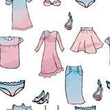 Nahtloses Muster kleidet Röcke, die Blusen Schuhe parfümieren stock abbildung