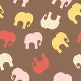 Nahtloses Muster mit bunten Elefanten für Gewebe, Bucheinband, verpackend lizenzfreie abbildung