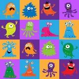 Nahtloses Muster mit bunten Monstern in den Quadraten Lizenzfreie Stockfotos