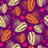 Nahtloses Muster mit dekorativen gestreiften Herzen Lizenzfreie Stockfotos
