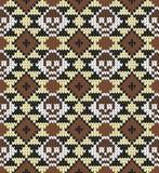 Nahtloses Muster mit dem Schädel und den ethnischen mexikanischen Elementen Tag der Toten, ein traditioneller Feiertag in Mexiko  Stockbilder