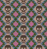 Nahtloses Muster mit dem Schädel und den ethnischen mexikanischen Elementen Tag der Toten, ein traditioneller Feiertag in Mexiko  Lizenzfreies Stockbild