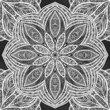 Nahtloses Muster mit den Blumen- und ethnischen Elementen Rundes Kaleidoskop Lizenzfreie Stockfotografie