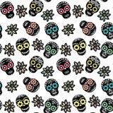 Nahtloses Muster mit den Blumenzuckerschädeln und -blumen Stockfotos