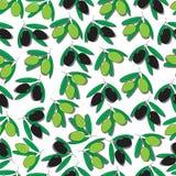 Nahtloses Muster mit den schwarzen und grünen Oliven Stockbilder