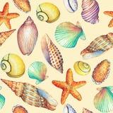 Nahtloses Muster mit den Unterwasserlebengegenständen, lokalisiert auf gelbem Hintergrund Marine-DesignSHELL, Seestern Aquarellha Stockfotos