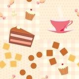 Nahtloses Muster mit einer Tasse Tee, Kuchen, Süßigkeiten und Plätzchen Lizenzfreie Stockfotografie