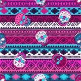 Nahtloses Muster mit Elementen des Schädels Ethnische Bänder Boho Stammes- Artdesign Stockfoto