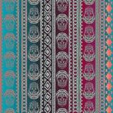 Nahtloses Muster mit Elementen des Schädels Ethnische Bänder Boho Stammes- Artdesign Stockbilder