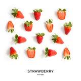Nahtloses Muster mit Erdbeere Tropischer abstrakter Hintergrund Erdbeere auf dem weißen Hintergrund Lizenzfreie Stockbilder