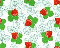 Nahtloses Muster mit Erdbeere und Blättern Lizenzfreies Stockfoto