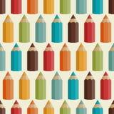 Nahtloses Muster mit farbigen Bleistiften in Retro- Stockbild