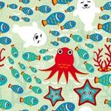 Nahtloses Muster mit Fischen, Seelöwen, Krake, Starfish, Korallen im Hintergrund wässern Lizenzfreies Stockbild