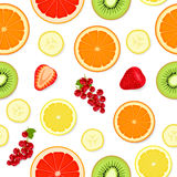 Nahtloses Muster mit Früchten und Beeren Stockbild