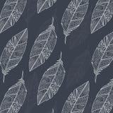 Nahtloses Muster mit gezeichneten bunten Federn der Weinlese Stammes- ethnische Hand Stockfotos