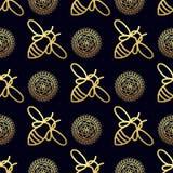 Nahtloses Muster mit Goldbiene Stockfoto