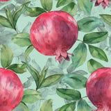 Nahtloses Muster mit Granatapfel und Blättern Lizenzfreie Stockfotos