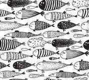 Nahtloses Muster mit Handgezogenen netten Fischen in der Skizzenart lizenzfreie abbildung