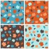 Nahtloses Muster mit Herbstlaub Stockbilder